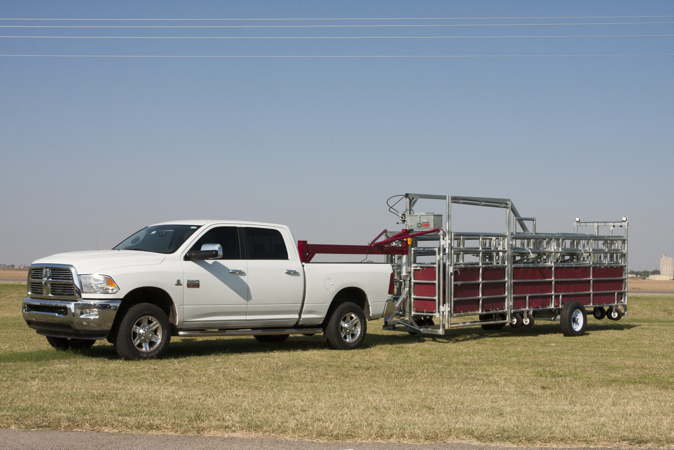express-portable-corral-in-tow